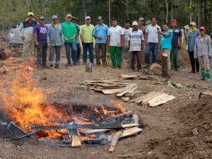 Smoldered pile vs. open pit biochar production, a showdown in Ecuador