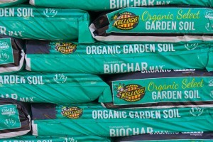 Kellogg Organic Select Garden Soil with Biochar